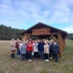 Wycieczka seniorów zGOPS - zdjęcie grupowe
