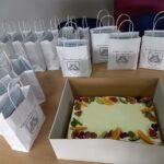 Upominki dla seniorów oraz tort
