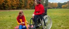 Asystent osoby niepełnosprawnej grafika